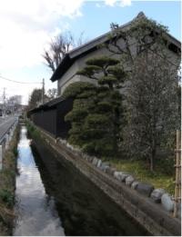 豊田用水沿いの蔵